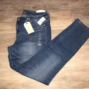 Maurice's NWT Jeggings. Size Large.